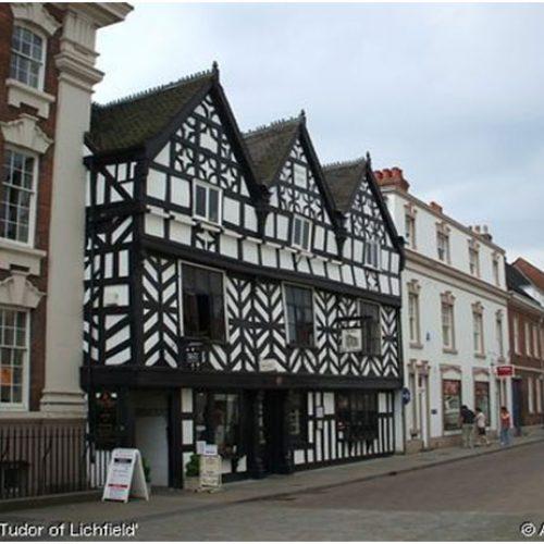 La casa de los Tudor (ahora una cafetería)